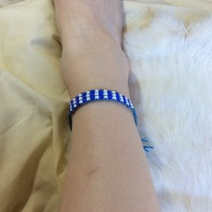Vintage Jewelry - Vintage Blue White Beaded Weave Choker